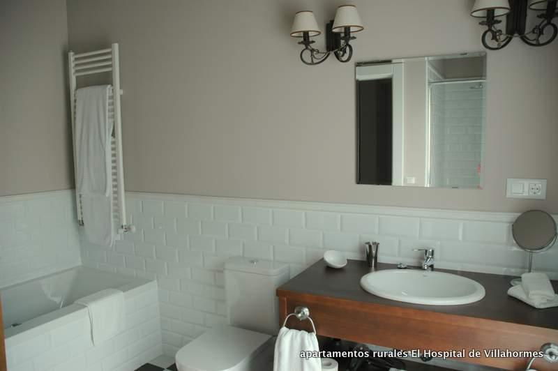 Baño completo con banñera de Hidromasaje