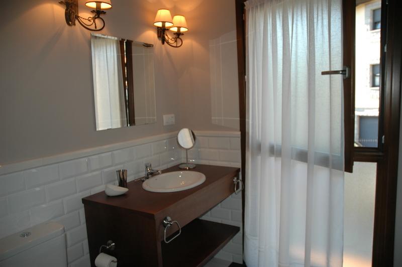 baño principal en apartamento dalia